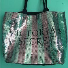 Limited edition Victorias Secret tote Large Victorias Secret tote! NWT Victoria's Secret Bags Totes