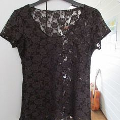 Zboží od Between the Buttons Sewing Projects, Buttons, Lace, Tops, Women, Fashion, Moda, Fashion Styles, Racing