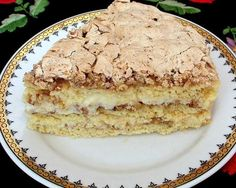 """Considerate în antichitate drept fructe regale, nucile transformă ori prăjitură într-un adevărat """"regal"""" de gusturi şi arome. Ingrediente 150 g zahăr 5 ouă 75 ml ulei sare 250 g făină 2 linguri cacao 1 praf de copt 150 g nuci zdrobite zeama de la 1 lămâie Pentru budincă 100 g ciocolată albă 3 gălbenuşuri 2 … Cake Recipes, Dessert Recipes, Food Cakes, Summer Desserts, Diy Food, Food Art, Deserts, Food And Drink, Cooking Recipes"""