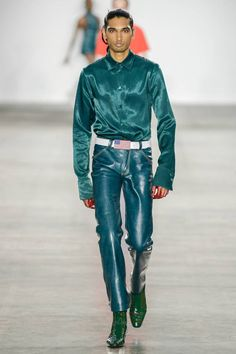 Fashion East Spring 2020 Menswear Fashion Show Collection: See the complete Fashion East Spring 2020 Menswear collection. Look 44 Men's Fashion, Leather Fashion, Fashion Details, Runway Fashion, Fashion East, Fashion Trends, La Mode Masculine, Satin Shirt, Leather Blazer