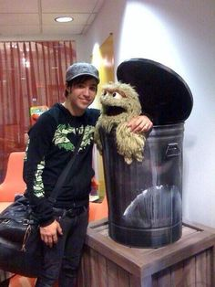 its a picture of me and pete!!