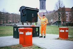 In Germany, Trash Collectors Turn Dumpsters Into Pinhole Cameras - DesignTAXI.com