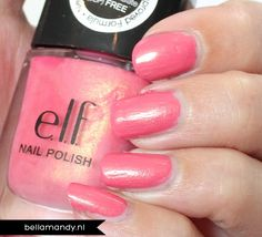 #1509 Coral http://www.eyeslipsface.nl/product-beauty/nagellak