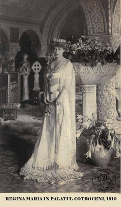 Königin Marie von Rumänien, Queen of Romania, née Princess of Edingburgh by A. Queen Mary, King Queen, Romanian Royal Family, Maud Of Wales, Vintage Photos, Old Photos, British Royal Families, Royal Jewels, Kaiser