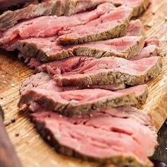 Slow cooker Irish spiced beef recipe. This classic Irish dish cooked in the slow cooker. Serve spiced beef thinly sliced with bread and a fruit chutney. Spiced Beef, Magic Recipe, Braised Beef, How To Dry Oregano, Chutney, Skillet, Beef Recipes, Slow Cooker, Irish