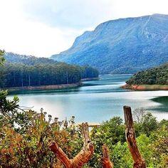 Conheça este paraíso!  Lago Soledade, localizado no município de Ouro Branco, distante cerca de 100 Km de Belo Horizonte!  Foto: @estradas_e_lugares