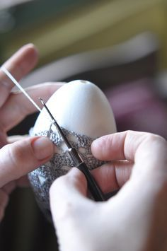how to crochet delicate easter eggs
