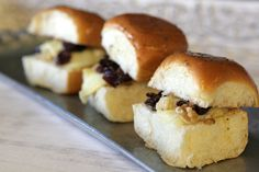 Brie Bites Recipe - Melted cheese, walnuts and cranberries on a soft, slightly sweet King's Hawaiian dinner roll. Hawaiian Bread Rolls, King Hawaiian Rolls, Kings Hawaiian, Appetizer Sandwiches, Appetizer Recipes, Party Recipes, Appetizers, Sweet Dinner Rolls, Cranberry Jam