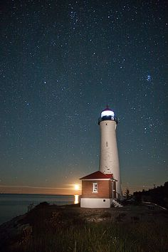 Moonrise at Crisp Point Light Crisp Point Lighthouse, Candle On The Water, Cool Pictures, Cool Photos, Beacon Of Light, Interesting Buildings, Top Of The World, Great Lakes, East Coast