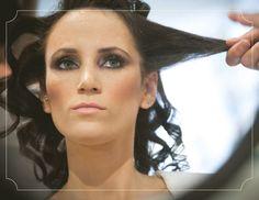 www.urbanbridesmag.co.il  מיכל ואסף, 17.3.11 | חתונות אורבניות  צילום: שי שחר  #wedding #bride #make up #hair