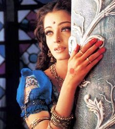 Posted in Aishwarya Rai Images | Tags: aish wallpapers from Devdas,