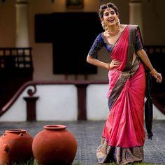 South Indian Wedding Saree, Indian Bridal Sarees, Indian Bridal Outfits, Indian Bridal Fashion, Indian Fashion Dresses, Indian Beauty Saree, Saree Wedding, Wedding Outfits, Kerala Saree Blouse Designs