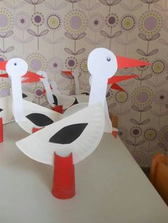 Papercraft of a Stork for a Storks Themed Movie Party Animal Crafts For Kids, Craft Activities For Kids, Preschool Crafts, Projects For Kids, Art For Kids, Bird Crafts, Flower Crafts, Diy And Crafts, Paper Plate Art