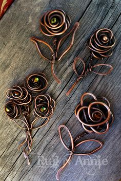 Diy Crafts - Wire Jewelry Designs since Jewellery Shops Near Dilsukhnagar along with Wire Jewelry Making Starter Kit Jewelry Crafts, Jewelry Art, Handmade Jewelry, Jewelry Design, Earrings Handmade, Bijoux Fil Aluminium, Wire Flowers, Wire Pendant, Diy Schmuck