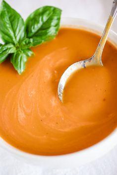 Fresh Slow Cooker Tomato Soup from @hamiltonbeach
