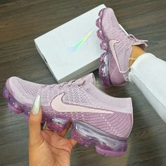 74 awesome trainers you should have - Pink lilac Nike, female sport shoes Cute Shoes, Me Too Shoes, Air Max Sneakers, Shoes Sneakers, Sneaker Heels, Sneakers Women, Basket Style, Sneaker Store, Urban Apparel