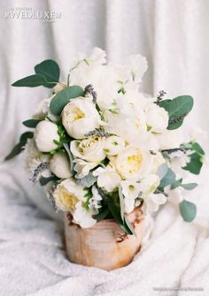 WedLuxe: Floral Design by Pink Poppi