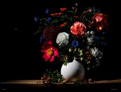 Floral Still Life Photography: wonderful and rich images inspired by the Dutch 17th century old masters.