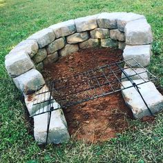 "Visit our web site for even more details on ""outdoor fire pit designs"". It is an outstanding location for more information. Fire Pit Ring, Diy Fire Pit, Fire Pit Backyard, Outside Fire Pits, Fire Pit Landscaping, Fire Pit Designs, Modern Pergola, Patio Heater, Outdoor Kitchen Design"