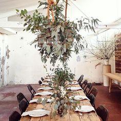 Loving this raw bushland table setting by @stephanie_somebody