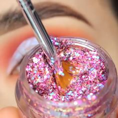 Eyeliner is one of the best type of eye makeup that helps to enhance your eyes and make it look more beautiful. By applying eyeliner you can accentuate your eyes…View Post Makeup 101, Glam Makeup, Makeup Goals, Skin Makeup, Makeup Inspo, Eyeshadow Makeup, Beauty Makeup, Maybelline Eyeshadow, Simple Eyeshadow