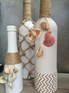 Glass Bottle Decor bottle crafts home decor Glass Bottle Crafts, Wine Bottle Art, Painted Wine Bottles, Diy Bottle, Glass Bottles, Bottle Lamps, Jar Crafts, Decor Crafts, Seashell Crafts