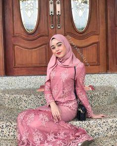 Image may contain: 1 person Kebaya Hijab, Kebaya Dress, Kebaya Muslim, Beautiful Muslim Women, Beautiful Hijab, Abaya Fashion, Muslim Fashion, Muslim Beauty, Hijab Chic