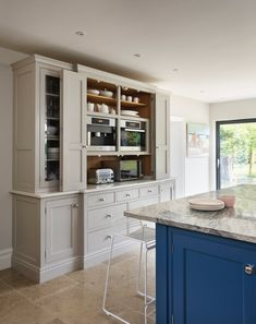 The perfect conpliment to this kitchen - tumbled jura grey Handmade Kitchens, Custom Kitchens, Bespoke Kitchens, Luxury Kitchens, Dream Kitchens, Family Kitchen, Diy Kitchen, Kitchen Design, Kitchen Flooring