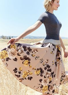 Summer fashion and outfit ideas that will make for a seamless transition into fall: Romantic florals and thin, feminine knits