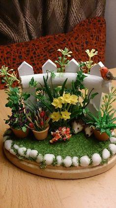 Mini Cactus Garden, Fairy Garden Pots, Succulent Gardening, Fairy Garden Houses, Succulents Diy, Garden Art, Miniature Zen Garden, Clay Fairy House, Fairy Garden Accessories