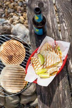 Gegrillte Limetten-Quesadillas mit Zucchiniblüten
