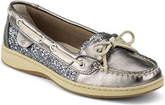 Discover the women's Angelfish Slip-On leather boat shoes from Sperry. Casual doesn't have to be ordinary with these boat shoes for women. Cute Shoes, Me Too Shoes, Sperry Top Sider Angelfish, Sperry Boat Shoes, Leather Boat Shoes, Prom Shoes, Wedding Shoes, Dress Shoes, Crazy Shoes