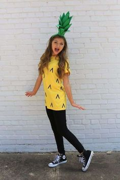 diy halloween costumes This post contains the best modest Halloween costumes for women. The costume ideas include DIY, Disney, dresses, and fun and creative ones too. One of the costumes is a pineapple costume. Modest Halloween Costumes, Hallowen Costume, Tween Halloween Costumes For Girls Diy, Diy Girls Halloween Costumes, Family Costumes, Group Costumes, Original Halloween Costumes, Diy Costume For Women, Cute Girl Costumes