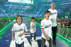 Shane McMahon made his grand entrance at WrestleMania 32 with his three sons, Declan, Kenyon, and Rogan Mcmahon Family, Shane Mcmahon, Wrestlemania 32, Le Catch, Wwe Couples, Mma Boxing, Wrestling Wwe, Wwe Wrestlers, Wwe Superstars