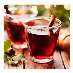 Looking for a hot toddy recipe? It's easy to make a hot toddy at home, and this Hot Rum Toddy uses agave to sweeten it! Hot Toddy, Toddy Drink, Gin Recipes, Cocktail Recipes, Sangria Recipes, Punch Recipes, Christmas Drinks, Holiday Cocktails, Holiday Parties