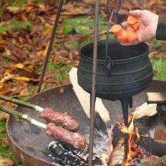 Koken op een open vuur.