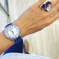 Watch Fashionista | Provocative-woman