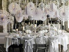 dekoracje stołu, stół wigilijny, Boże Narodzenie, Święta, zastawa stołowa  Zobacz więcej na: https://www.homify.pl/katalogi-inspiracji/11237/pomysly-na-swiateczne-dekoracje