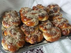 Hellena  ...din bucataria mea...: Mucenici moldovenesti Pretzel Bites, Feta, Bread, Recipes, Brot, Recipies, Baking, Breads, Ripped Recipes