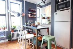 Storage Solutions for Renters- great site for rental decorating ideas!