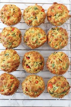Delicious savoury muffins packed full of vegetables like spinach and peppers; perfect for a family lunch or a kids afternoon snack! Savory Muffins, Savory Snacks, Healthy Snacks, Fresh Spinach Recipes, Healthy Afternoon Snacks, Fussy Eaters, Easy Meals For Kids, Spinach And Cheese, Muffin Recipes