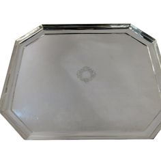 English, sterling #silver Deco, large octagonal handwrought footed #tray, measuring 22″ x 18″. Made by Peter Guille, London 1941. Hallmarked on underside. Great as a drinks tray, food serving #tray or even as a table centrepiece. #Tray weighs 4.370 grams.