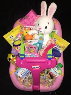 Are you looking for creative and fun Easter baskets that are a little more exciting than the regular basket? Here are 16 creative Easter basket ideas that are great for toddlers, kids and perfect ideas for both boys and girls! Easter Baskets For Toddlers, Easter Basket For Babies, Girl Easter Baskets, Baby Tub Gift Basket, Gift Baskets For Kids, Custom Easter Baskets, Easter Gifts For Kids, Baby Baskets, Baby's First Easter Basket