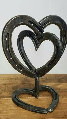 """Awesome """"metal art diy"""" info is offered on our site. Check it out and you wont b. - Awesome """"metal art diy"""" info is offered on our site. Check it out and you wont be sorry you did - Welding Art Projects, Welding Crafts, Metal Projects, Metal Crafts, Blacksmith Projects, Horseshoe Projects, Horseshoe Crafts, Horseshoe Art, Horseshoe Ideas"""