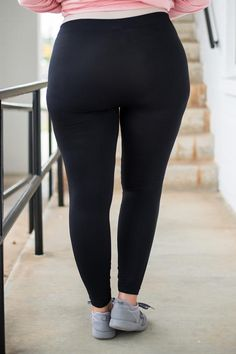 Yoga Pants Girls, Girls In Leggings, Girls Jeans, Leggings Are Not Pants, Curvy Girl Outfits, Curvy Girl Fashion, Trendy Outfits, Fashion Outfits, Plus Size Fall Outfit