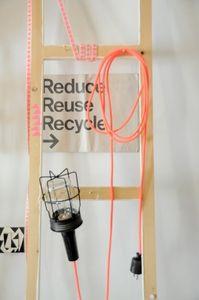 Image of lampe baladeuse fil électrique tissu rose fluo