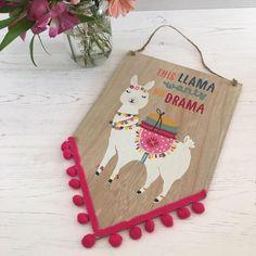 New stock just landed! We love this llama plaque 💗💗 Felt Crafts, Diy And Crafts, Crafts For Kids, Alpacas, Llama Decor, Llama Birthday, Inka, Cute Llama, Llama Alpaca