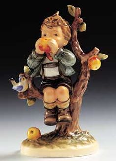 "Hummel figurine ""An Apple A Day"""
