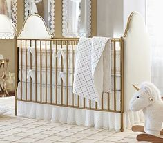 Create a snug and serene bed for your baby with layers of the softest fabric and fine quilting techniques. The sprinkling of metallic dots creates a luxe look.