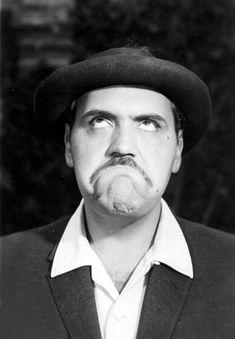 Gaspar Henaine,Capulina...(1926-2011), el rey del humorismo blanco